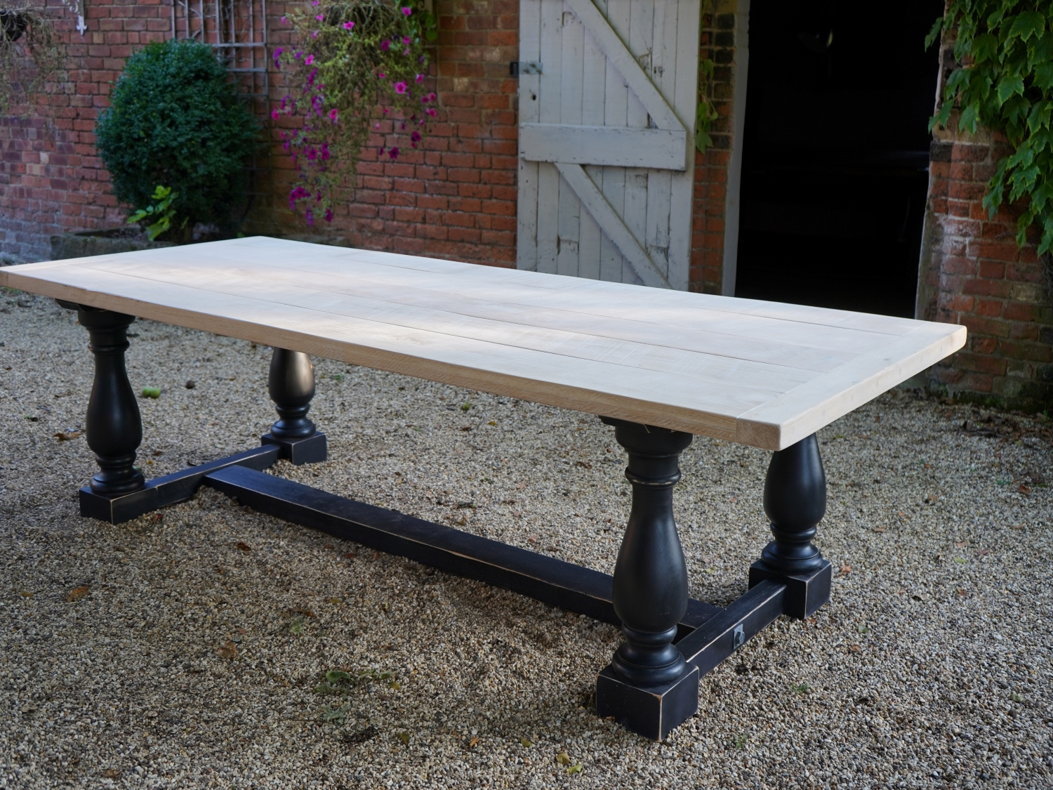 Solid Oak Top With Balustrade Leg