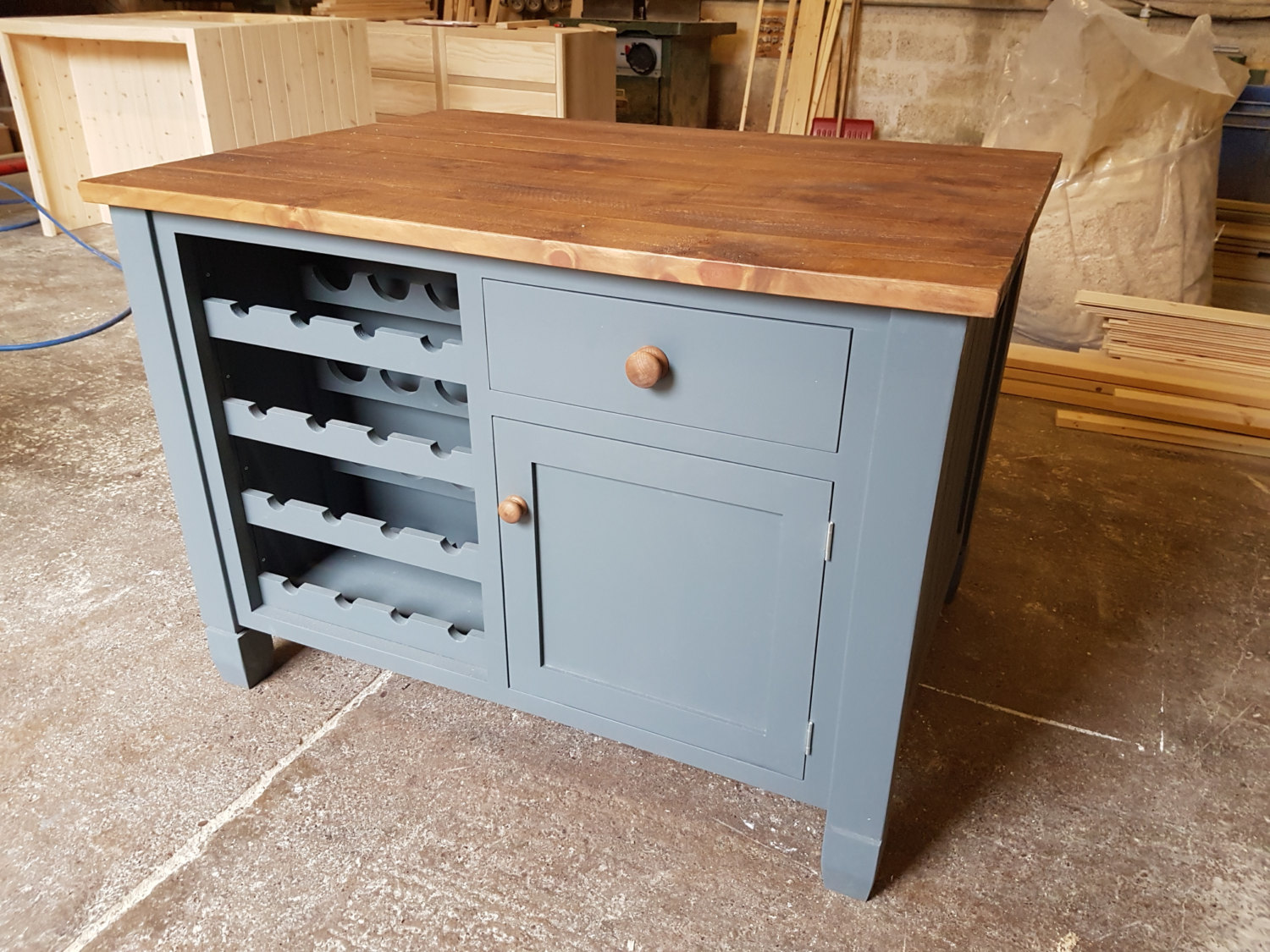 Nice Bespoke Kitchen Islands Images >> 20 Recommended Small Kitchen ...